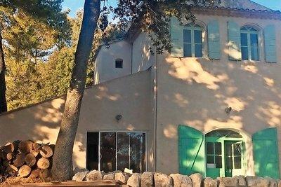 Maison à vendre à PUYRICARD  - 6 pièces