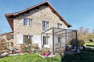 Maison à vendre à ST-MAURICE-DE-ROTHERENS  - 9 pièces - 200 m²
