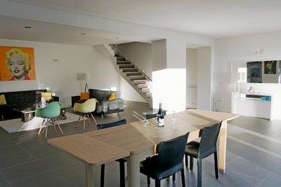 Maison à vendre à LE THOLONET   - 290 m²