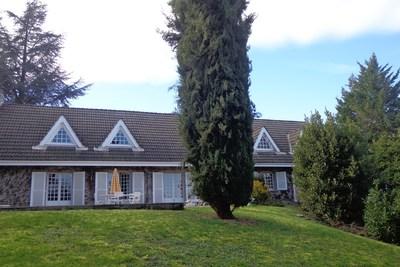 Maison à vendre à LIMAS  - 9 pièces - 241 m²