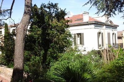 Maison à vendre à CAVAILLON  - 14 pièces - 435 m²