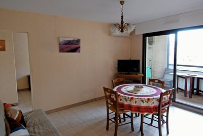 Apartment for sale in SANARY-SUR-MER  - 2 rooms - 35 m²