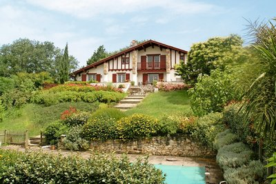 House for sale in ARCANGUES   - 200 m²