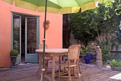 - 9 rooms - 200 m²