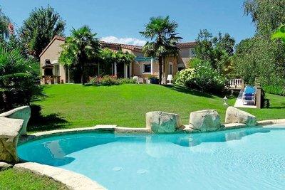 Maison à vendre à TOURNON-SUR-RHONE  - 7 pièces - 240 m²