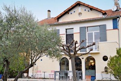 House for sale in VAISON-LA-ROMAINE  - 6 rooms - 140 m²