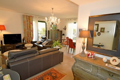 Apartment for sale in AIX-EN-PROVENCE  - 3 rooms - 71 m²
