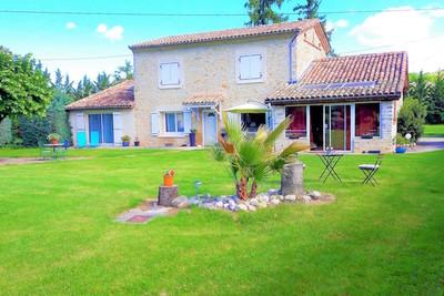 Maison à vendre à PIEGROS LA CLASTRE  - 7 pièces - 225 m²