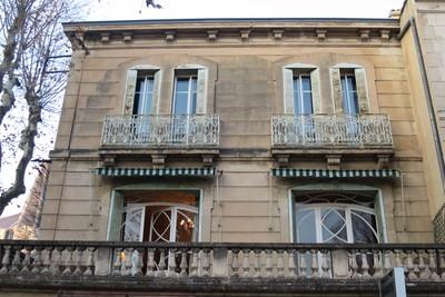 Bien à vendre à SALON-DE-PROVENCE  - 7 pièces - 280 m²
