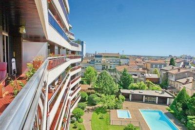 Apartment for sale in BORDEAUX  - 4 rooms - 107 m²