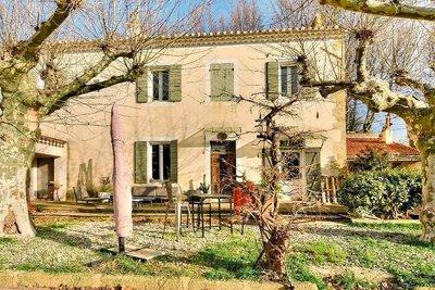 Maison à vendre à PELISSANNE  - 7 pièces - 260 m²