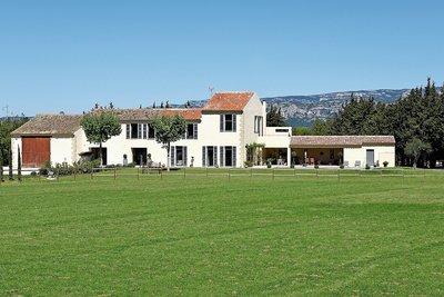 Maison à vendre à MALLEMORT   - 450 m²