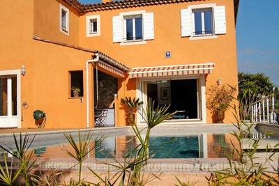 Maison à vendre à CAGNES-SUR-MER  - 6 pièces - 200 m²