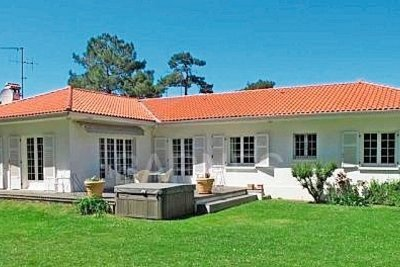 House for sale in ANGLET  - 8 rooms - 270 m²
