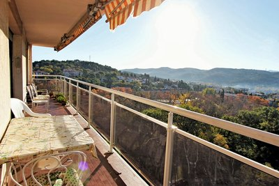 Apartment for sale in AIX-EN-PROVENCE  - 5 rooms - 112 m²