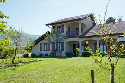 Maison à vendre à ARCHAMPS  - 6 pièces - 180 m²