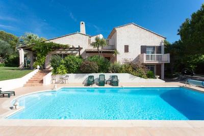 Maison à vendre à CAP D'ANTIBES  - 5 pièces - 250 m²