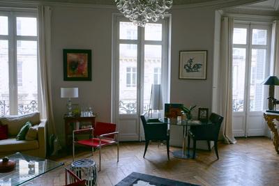- 9 pièces - 260 m²