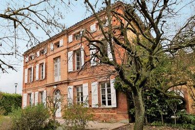 Maison à vendre à PECHBONNIEU  - 8 pièces - 290 m²
