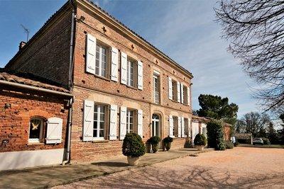 Maison à vendre à MONTASTRUC-LA-CONSEILLERE  - 12 pièces - 430 m²