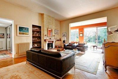 - 6 rooms - 142 m²