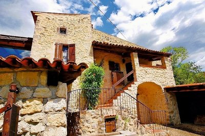 House for sale in UZES  - 3 rooms - 123 m²