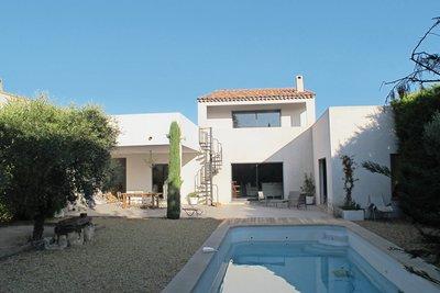 Maison à vendre à ST-REMY-DE-PROVENCE  - 4 pièces - 150 m²