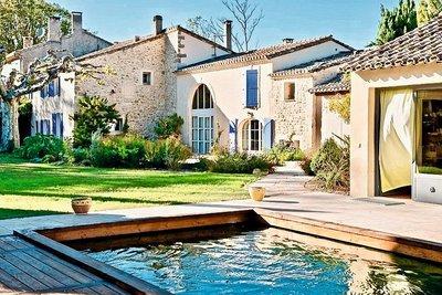 Maison à vendre à ST-REMY-DE-PROVENCE   - 600 m²