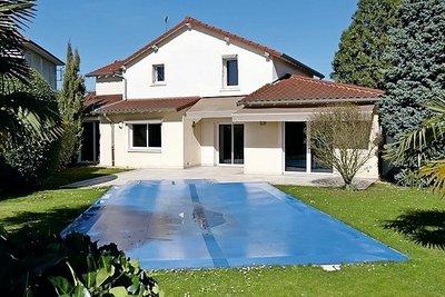 Maison à vendre à CHARNAY LES MACON  - 6 pièces - 200 m²
