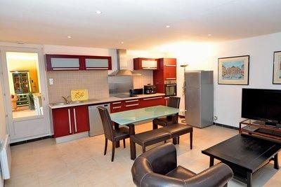 Maison à vendre à OPIO  - 9 pièces - 250 m²