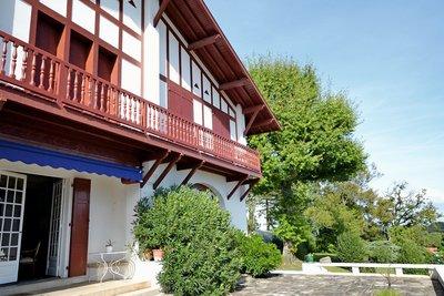 Maison à vendre à ANGLET  - 14 pièces - 500 m²
