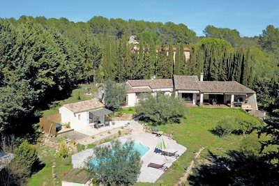 House for sale in DRAGUIGNAN  - 5 rooms - 145 m²