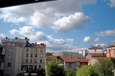 Apartment for sale in VILLEURBANNE  - 3 rooms - 84 m²