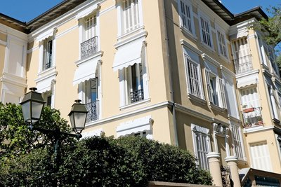 Apartment for sale in BEAULIEU-SUR-MER  - 3 rooms - 79 m²