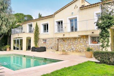 Maison à vendre à VALLAURIS  - 6 pièces - 200 m²