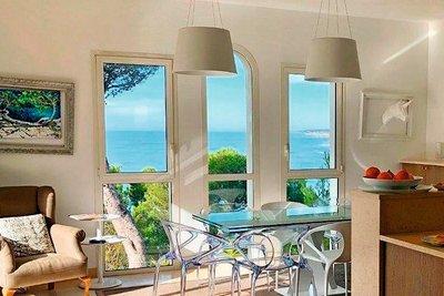Maison à vendre à CARRY-LE-ROUET  - 11 pièces - 330 m²
