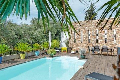 Maison à vendre à MARSEILLE 11EME  - 5 pièces - 170 m²