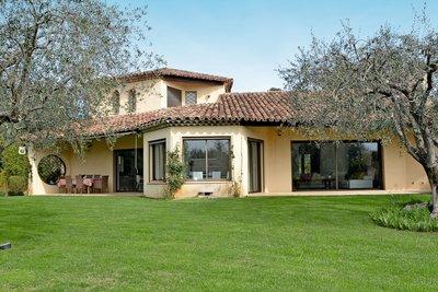 Maison à vendre à ROQUEFORT-LES-PINS  - 7 pièces - 280 m²