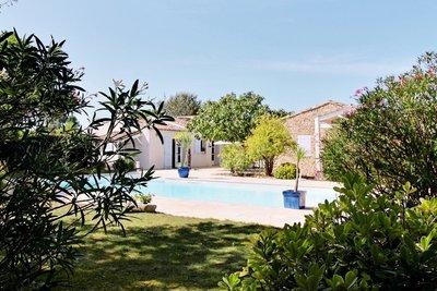Maison à vendre à LES PORTES EN RE  - 10 pièces - 400 m²