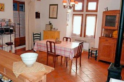 Maison à vendre à ST-PAUL-TROIS-CHATEAUX  - 6 pièces - 239 m²