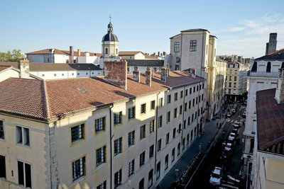 Apartment for sale in LYON  1ER  - 6 rooms - 180 m²