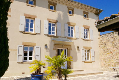 Maison à vendre à CHATEAUNEUF DE GALAURE  - 11 pièces - 440 m²
