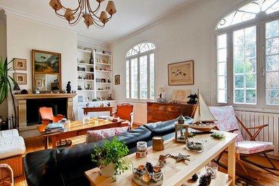 - 7 rooms - 225 m²