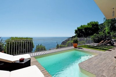 Houses for sale in Eze