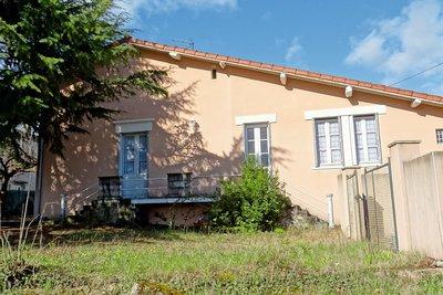 Maisons à vendre à St Barthelemy de Vals
