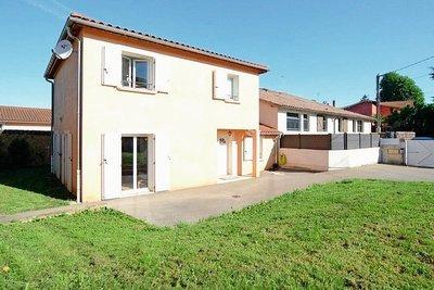 Maison à vendre à JASSANS-RIOTTIER