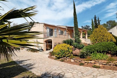 House for sale in ROQUEBRUNE-SUR-ARGENS  - 4 rooms - 170 m²
