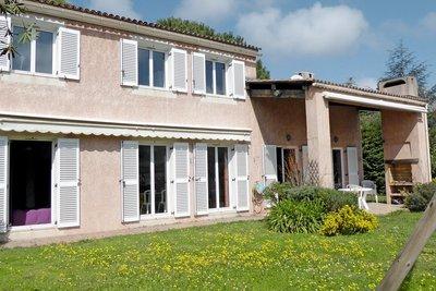 - 6 rooms - 132 m²