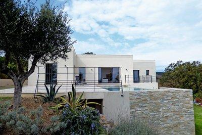 Maison à vendre à LES ISSAMBRES  - 5 pièces - 200 m²