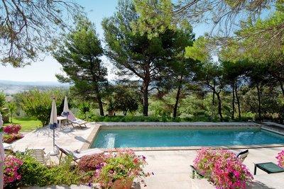 Maison à vendre à GORDES   - 220 m²
